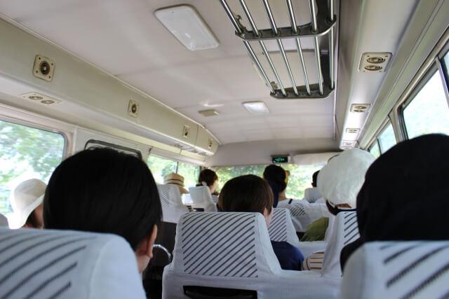 高速バスの乗客