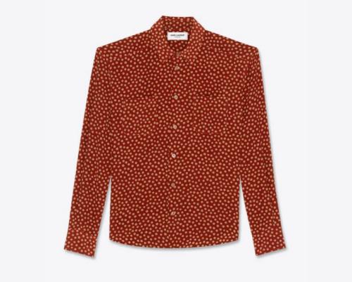SAINTLAURENTの赤いシャツ
