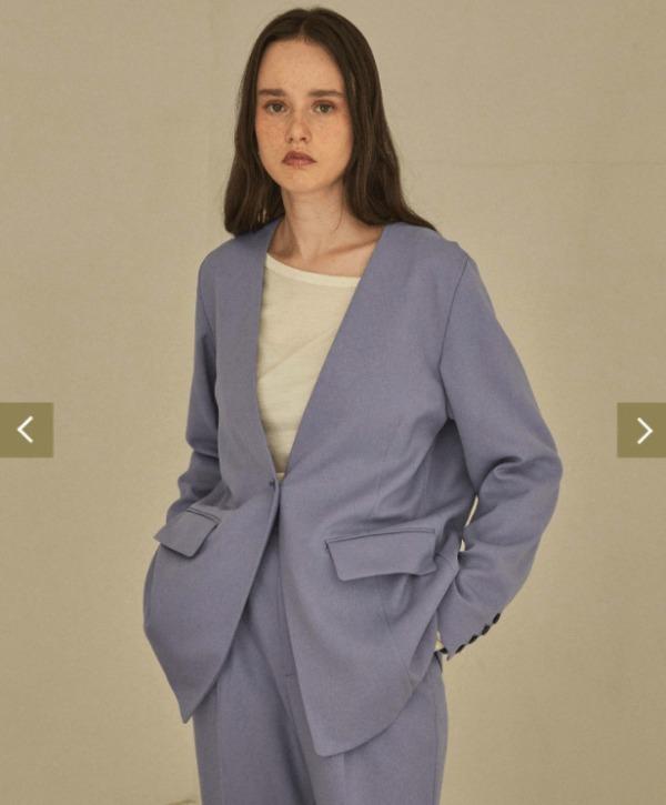 極主婦道の川口春奈ブルーのジャケット