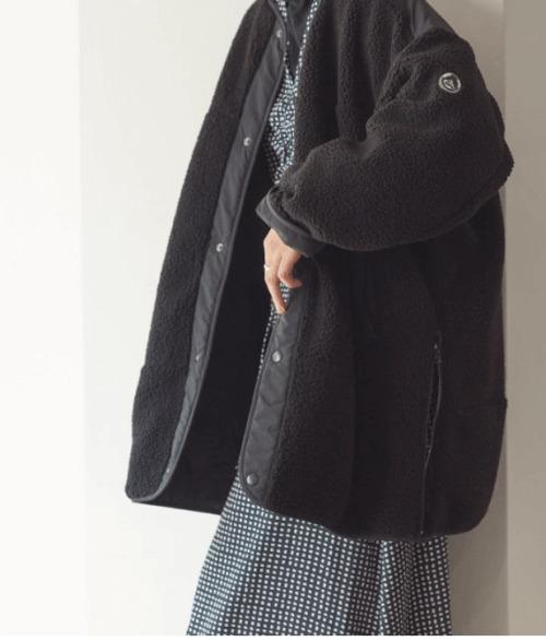 黒のキルティングコート
